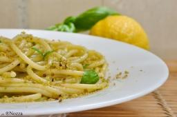 Spaghetti al limone e basilico